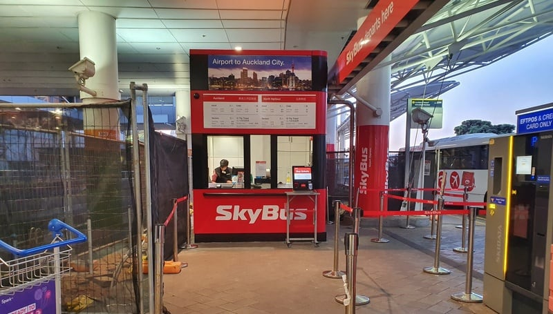 the red skybus ticket office at auckland airport to city