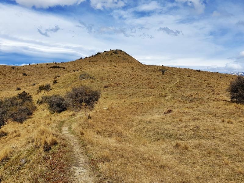 trail towards german hill peak