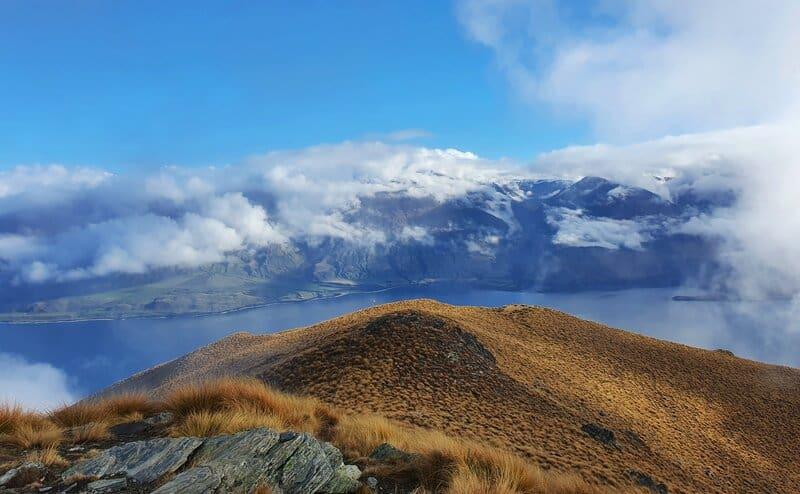 isthmus peak track summit views