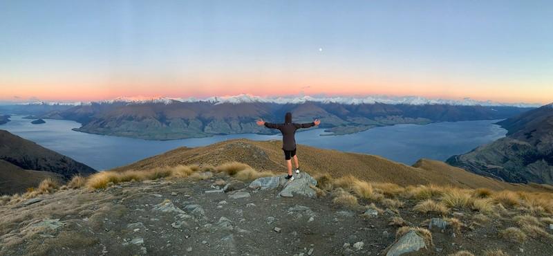 sunrise at the summit of the isthmus peak track