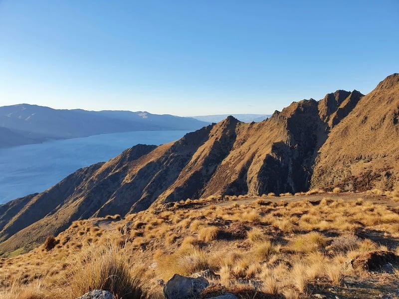 morning sun along the isthmus peak track